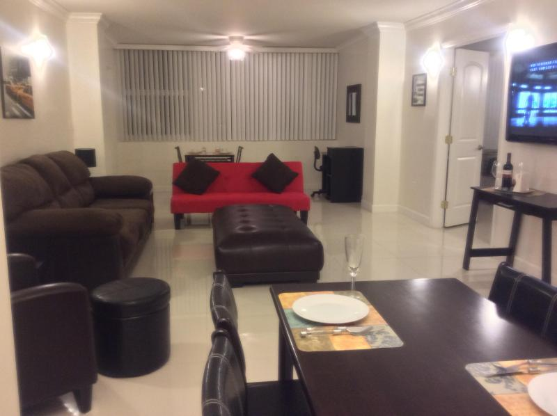 THE LIVING - Two Bedroom On The Galt Mile Private Beach - Fort Lauderdale - rentals