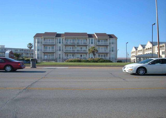 The Victorian Condominium - Beachfront - conveniently located, fishing, pools, seaside cafe, spa - Galveston - rentals