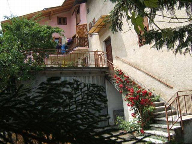 Apartment in Valle di Non - Trentino - Image 1 - Cunevo - rentals