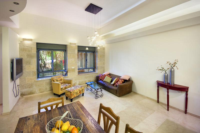 Ground Floor 3 Bdr Apt - Great Location! - Image 1 - Jerusalem - rentals