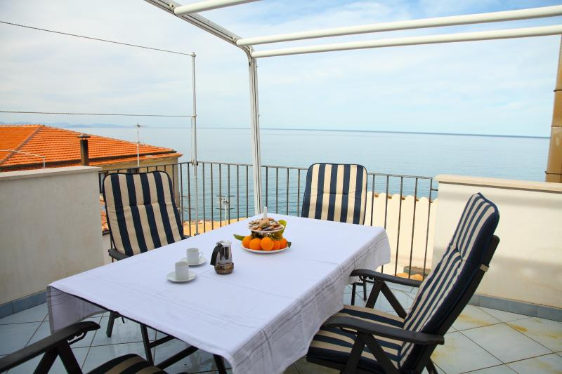 Terrace Seafront in old town - Image 1 - Cefalu - rentals