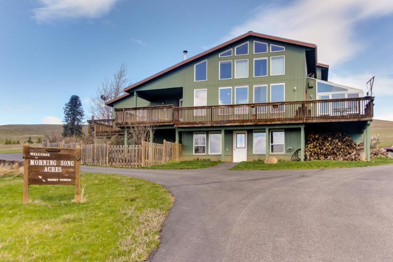 Dog-friendly home with private hot tub and mountain views! - Image 1 - Lyle - rentals