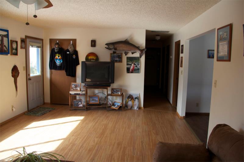 large living room with 2 sofas, TV - Private Home country setting, close to town - Soldotna - rentals