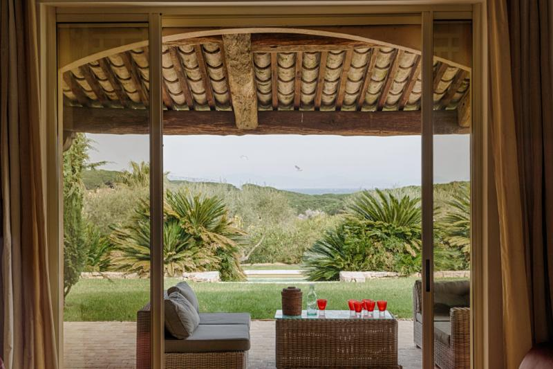 Lounge area under the pergola - Charming Villa in St-Tropez, 8 bedrooms, 16 people - Saint-Tropez - rentals