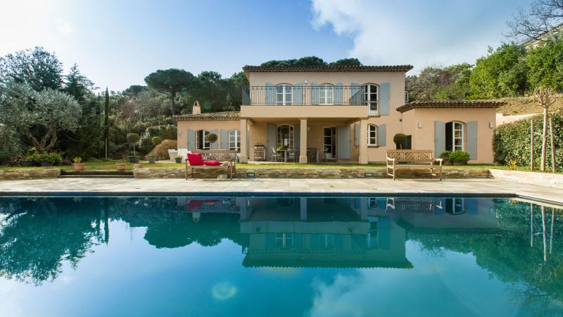 View from the pool - cb7d76ee-af76-11e3-952e-90b11c2d735e - Saint-Tropez - rentals