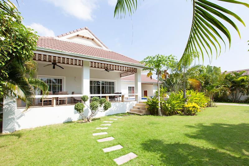 beautiful villa with pool and jakuzzi - Image 1 - Hua Hin - rentals