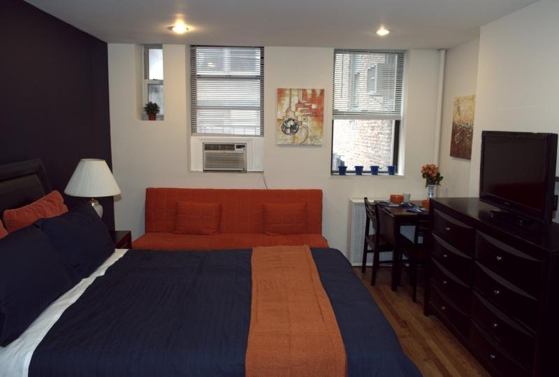 Chic Chelsea Studio 3RW - Image 1 - New York City - rentals