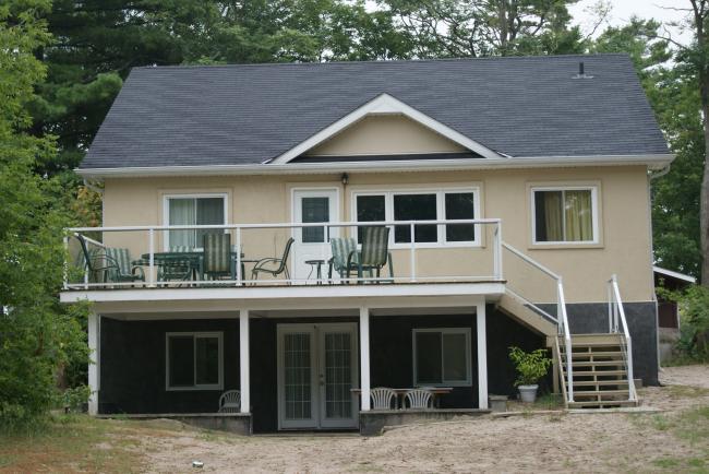 Vacation Home - 4 Bedroom Vacation Home in Wasaga Beach - Wasaga Beach - rentals