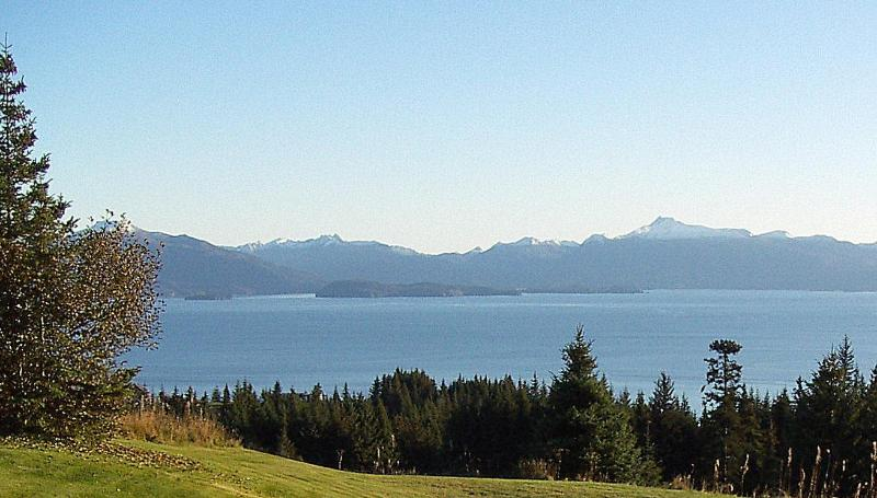 Overlooking Kachemak Bay - Overlooking Kachemak Bay and mountains - Homer - rentals