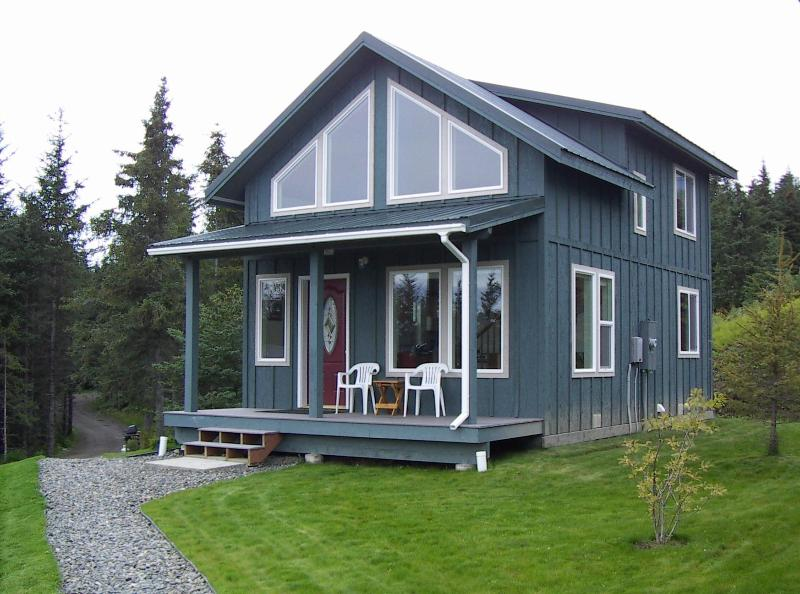 Moose Den cabin - The Highliner House cabin overlooking Kachemak Bay in Homer, Alaska - Homer - rentals