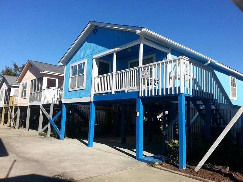 Front view of the cottage - Garden City Beach Cottage!!  A Fisherman's Getaway - Garden City Beach - rentals