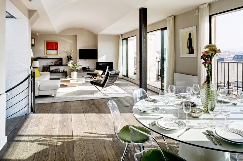 Apartment Saint Martin Paris apartment in 3rd arrondissement, four bedroom apartment Paris, short term rental Paris, Flat to let Paris - Image 1 - Paris - rentals
