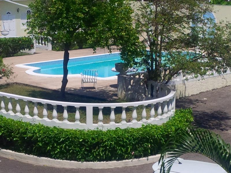 Balcony View - Lovely Ocho Rios 1BR Duplex - FREE Wifi/Cable/24-H - Ocho Rios - rentals