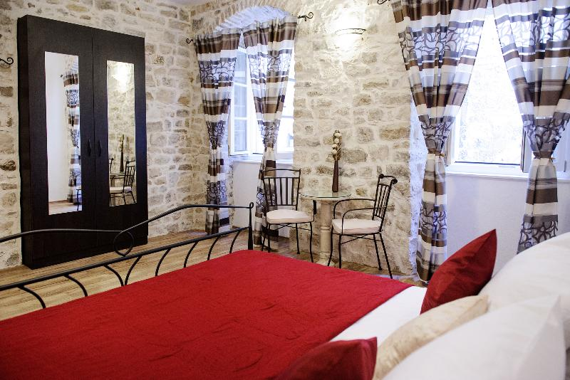 bedroom - Apartment Peristil Aurea-Split Very Center - Split - rentals