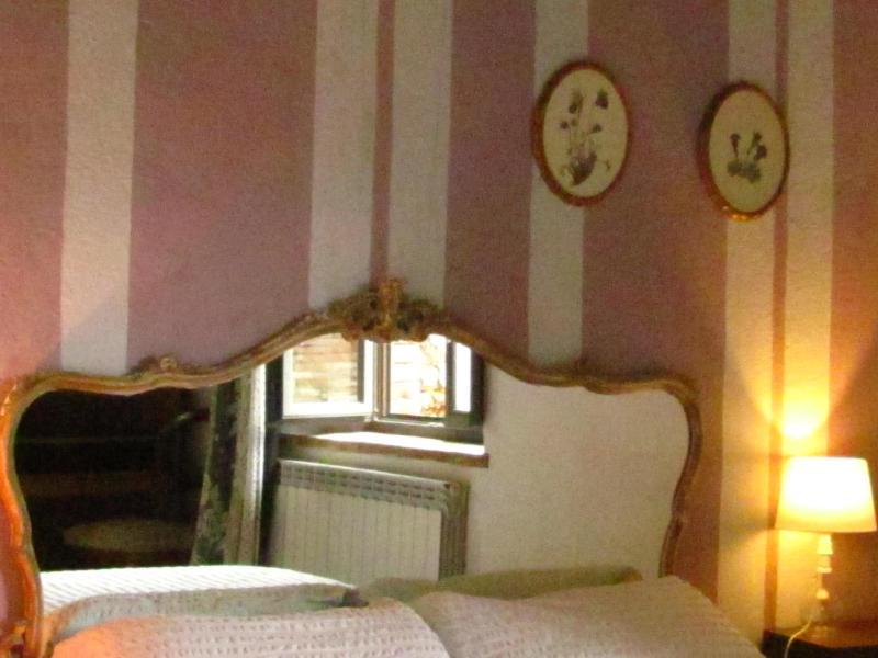 bedroom with mirror - Capannacce horse Farm, La Casella - Contignano - rentals
