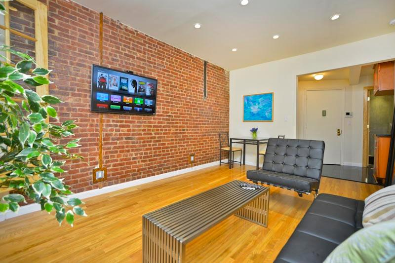 DYLAN 1 Bedroom & Spacious Terrace - Image 1 - New York City - rentals