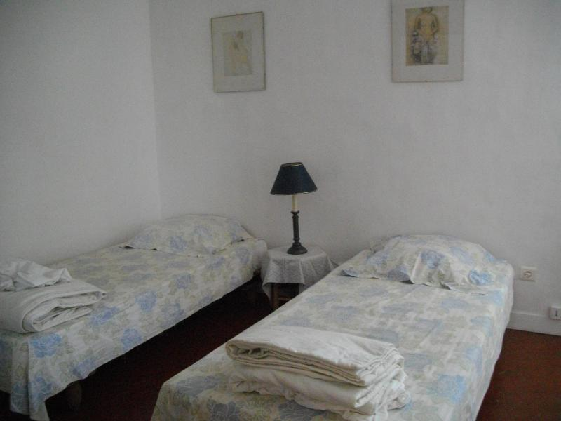 Excellent Marseille Bed and Breakfast, in Superb L - Image 1 - Marseille - rentals
