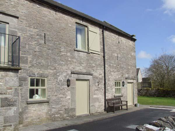 YEW TREE COTTAGE, part of the Chatsworth Estate, pet-friendly, woodburner in Wetton Ref 17466 - Image 1 - Wetton - rentals