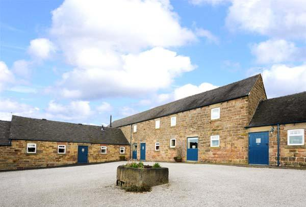 WARDLE COTTAGE, part of the Chatsworth Estate, pet-friendly, woodburner in Shottle Ref 9206 - Image 1 - Shottle - rentals
