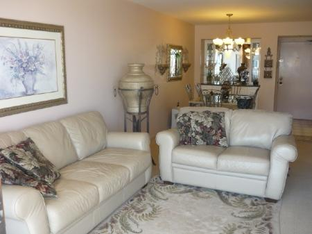Beautiful Living Furniture - PRISTINE beachfront Condo with panaromic Gulf Views ! - Marco Island - rentals