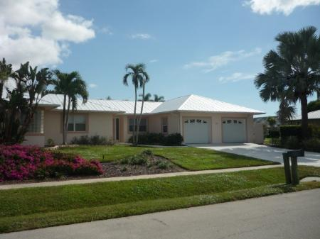 Facade - Inviting open concept living in this large Vacation Pool Home - Marco Island - rentals