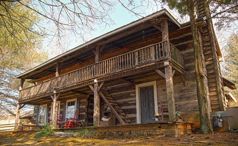 Sleep in a bit of history, 1860 log cabin - Image 1 - Rogersville - rentals