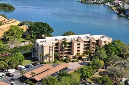 Building 9 Directly Bay Front- AMAZING VIEWS! - Chinaberry 942 - Siesta Key - rentals