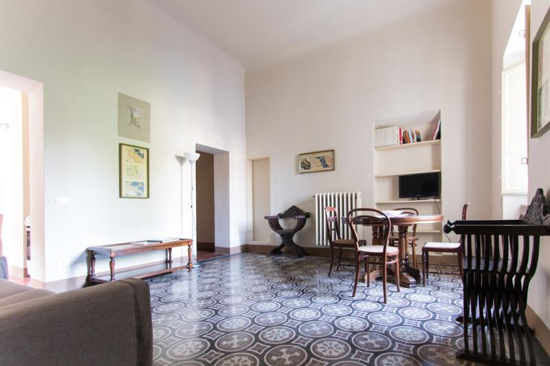"""Elisa Baciocchi"" in charming old palazzo - Image 1 - Lucca - rentals"