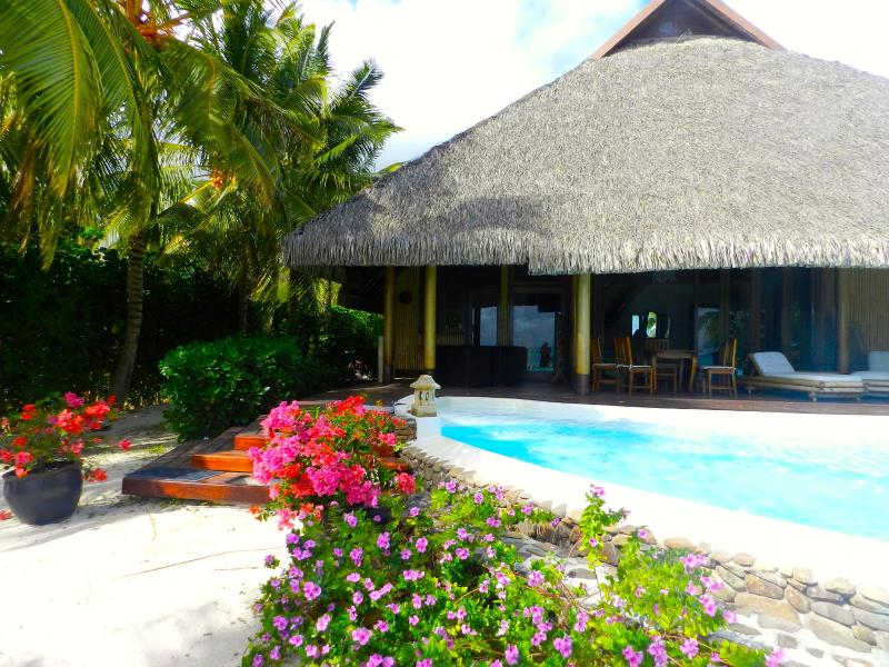 Pool view - Pool&Beach villa by ENJOY VILLAS - Maharepa - rentals