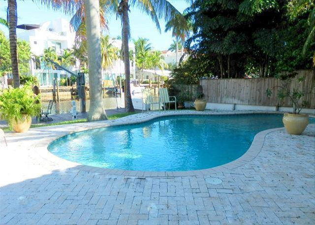 Stunning 2/2 Waterfront Heated Pool Victoria Park - Image 1 - Fort Lauderdale - rentals