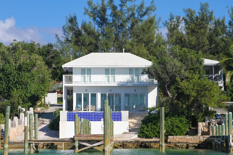 Great Harbour Front Home - Image 1 - Harbour Island - rentals