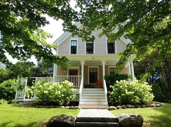 Grove Street Cottage- A quintessential in-town New England farm house with numerous updates  - GROVE STREET COTTAGE - Town of Camden - Camden - rentals
