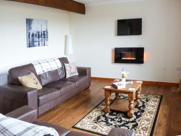CAPE BRETON, all ground floor cottage, off road parking, garden, in Dunvegan, Ref 904704 - Image 1 - Dunvegan - rentals