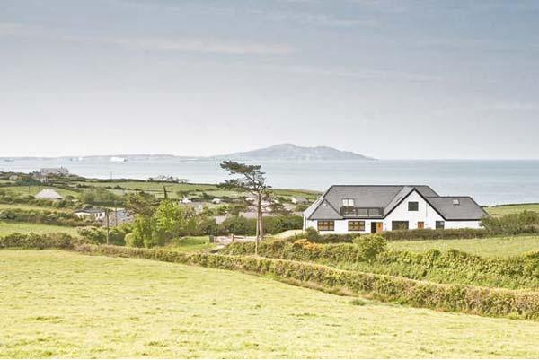 BWTHYN AWEL, luxury holiday cottage, with a garden in Church Bay, Ref 913963 - Image 1 - Church Bay - rentals