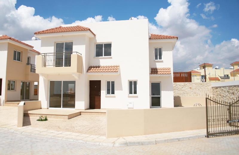 CHARA CYNTHIANA VILLA 1 - Image 1 - Lachi - rentals