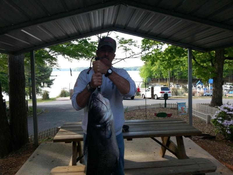BIG FISH CAUGHT IN 60 FEET WATER OFF PONTOON - ****Lake Gaston Retreat** Includes Pontoon on site - Bracey - rentals
