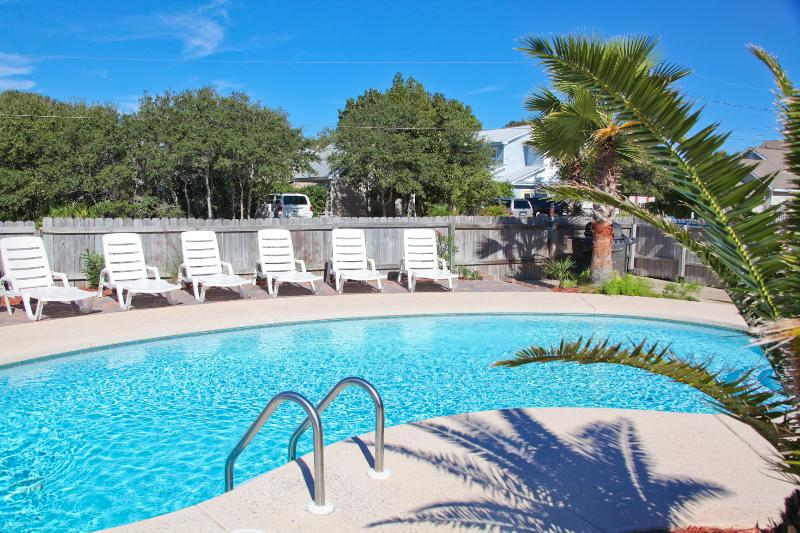Private tropical oasis pool  awaits you.. Plenty of room for outdoor dining and entertaining. - Private Pool, 1 Block  To  Beach, 7 Bdrms. 4 Ba. - Destin - rentals