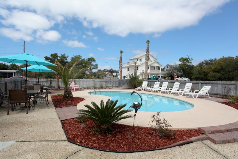 Your private tropical oasis awaits you. Plenty of room for outdoor dining and entertaining, - 4 Separate Units,7Bdr.4Ba,Private Pool, 1Blk Beach - Destin - rentals