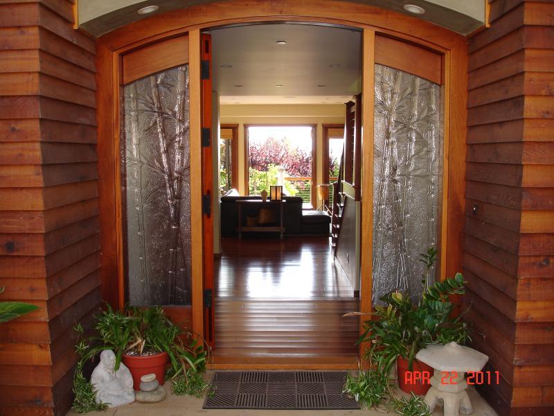 entry (all flooring is custom Brazilian hardwood) - Summer surf! Ocean views, hot tub, beach play! - Encinitas - rentals