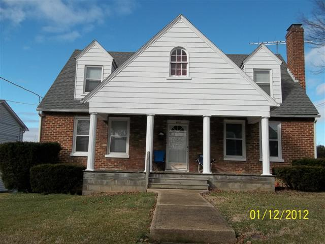 Front of house - Spacious house located in Shenandoah Valley - Waynesboro - rentals