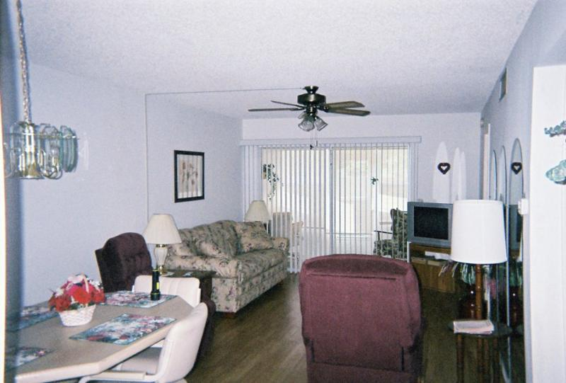 Living Room from the dining area - Clearwater Florida 2 Bedroom Condo - 3 Month minimum rental - Clearwater - rentals