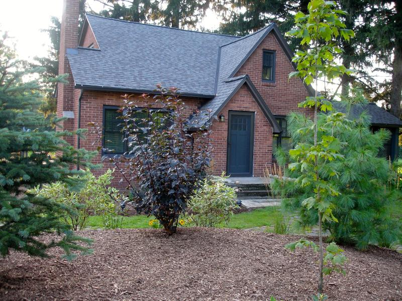 Welcome to the PrairieWood - Private Upscale Home on 10 Acres of Wooded Prairie - South Haven - rentals