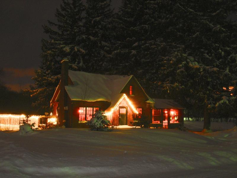 Winter is lovely in Michigan - Private Upscale Home on 10 Acres of Wooded Prairie - South Haven - rentals