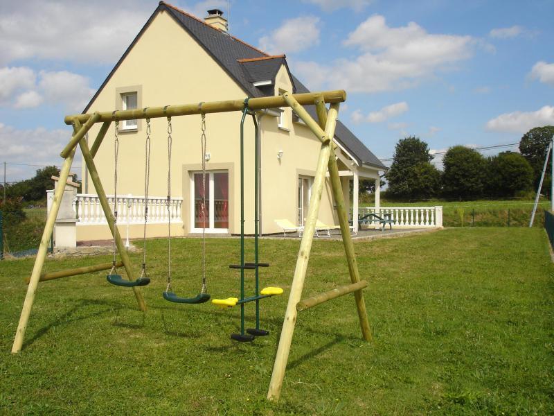 maison vue du jardin - Gîte baie du Mont-Saint-Michel - Vessey - rentals