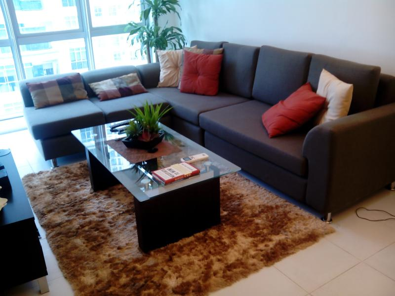 Feel @ Home Modern 1BR wifi - Image 1 - Taguig City - rentals