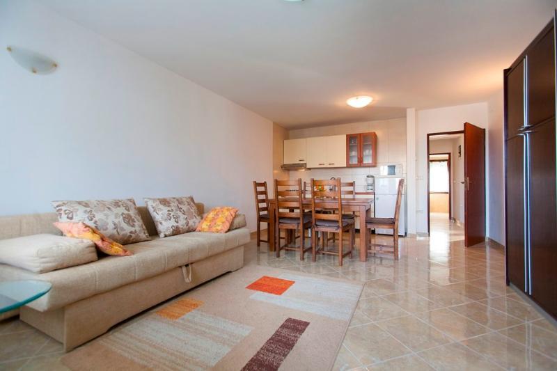 Apartment Gobo 4+2 - Image 1 - Pula - rentals