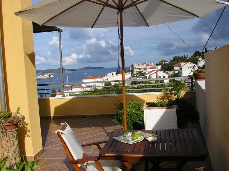 Apartments Novak Ciko | En-suite Room Tango - Image 1 - Hvar - rentals