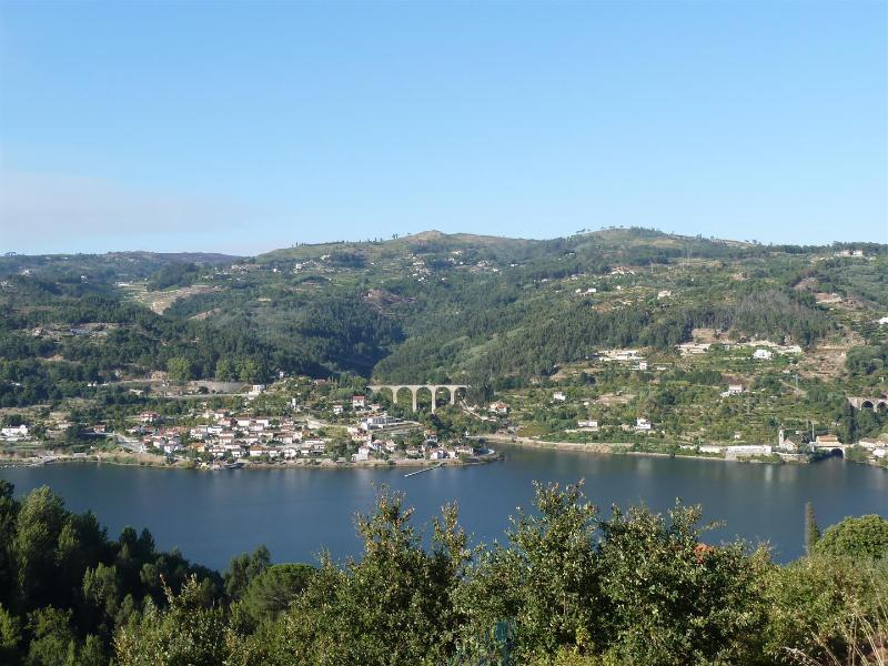 View from the Garden - Relaxing House With Great View - Douro River View - Cinfaes - rentals