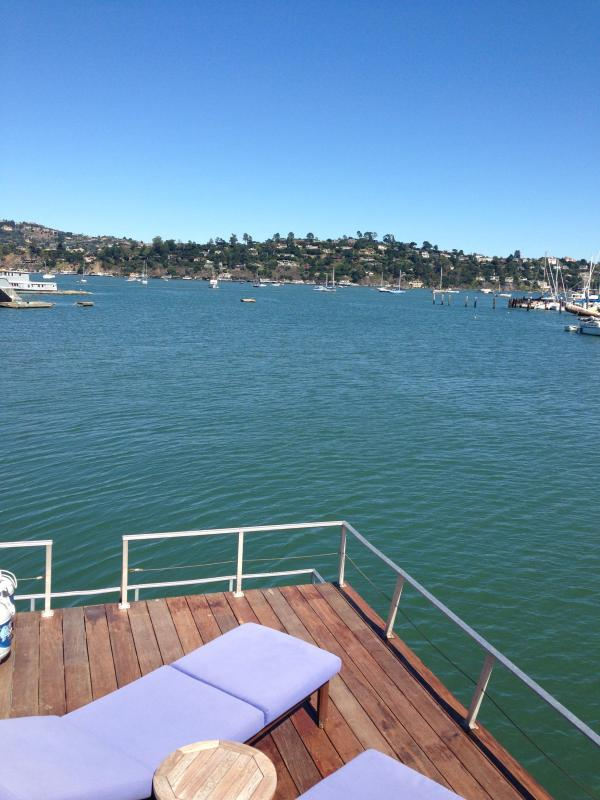 Best Spot in the Marina! Unobstructed 270 degree views and water on three sides - Sausalito Floating Loft on SF Bay - Sausalito - rentals