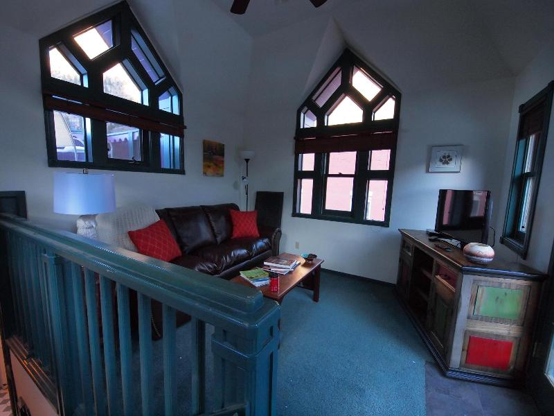 LR/Loft Area - Top O' Town Chalet - Ouray - rentals